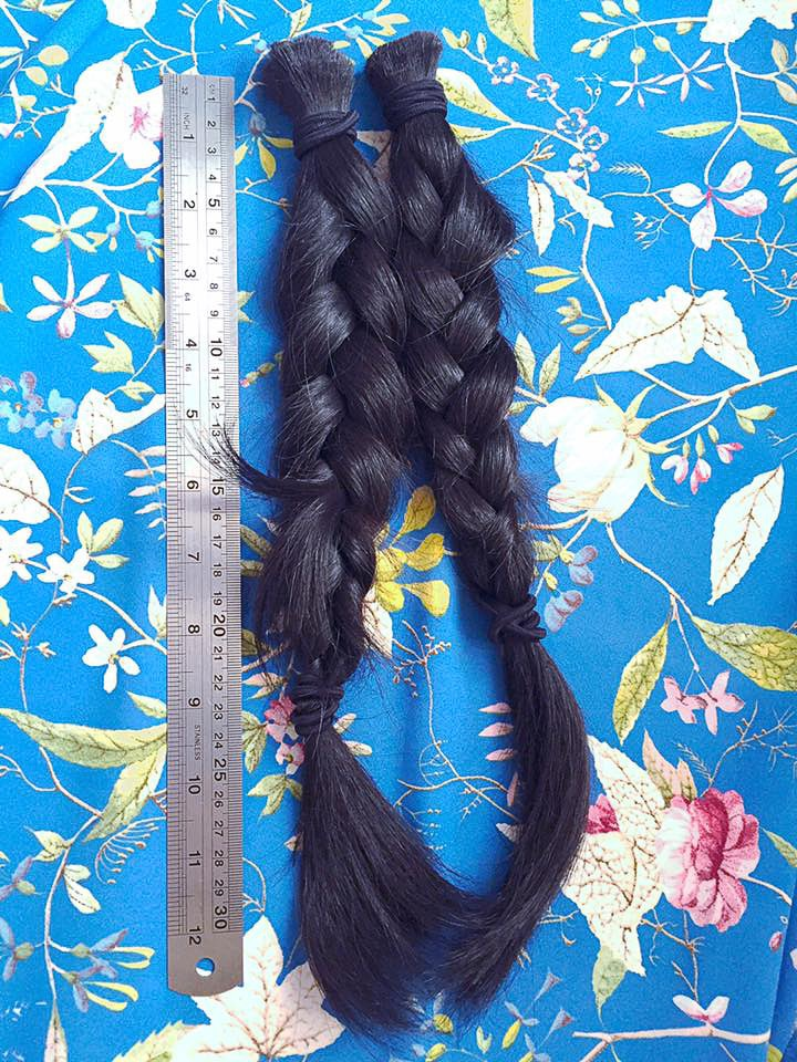 14 Inches of hair donated! You need 4/5 pony tails to make one wig. My pony tail could complete two wigs. Wow